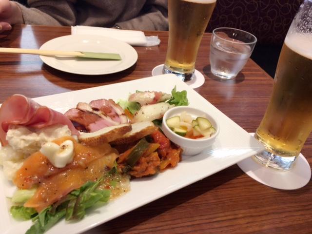 CAFE&BAR コリドール( 梅田、阪急32番街/カフェ、バル)