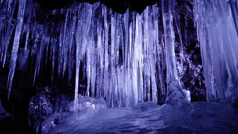 夏だけど氷穴に行って強制的に涼を!【山梨県】