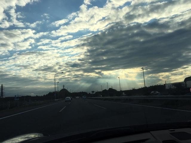 空のお話。関東の空も素敵です!