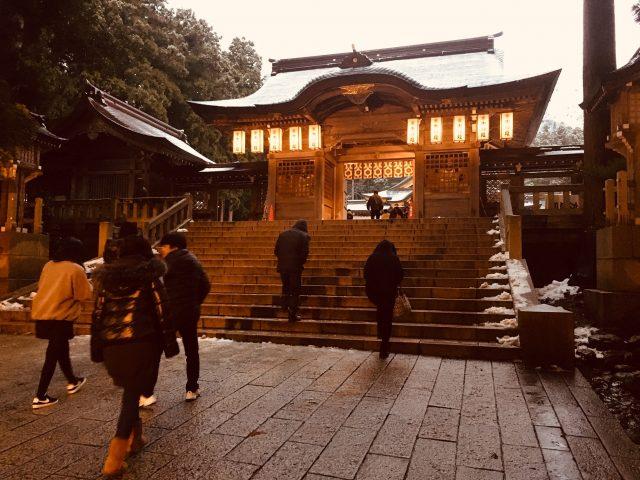 弥彦神社 随神門
