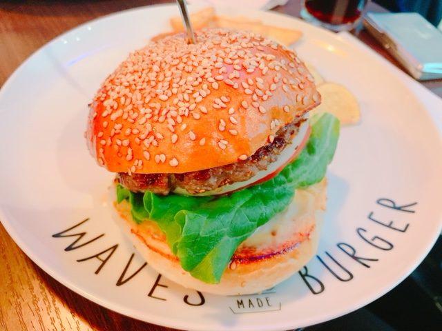 WAVES BURGER 名駅店(名古屋/ハンバーガー)