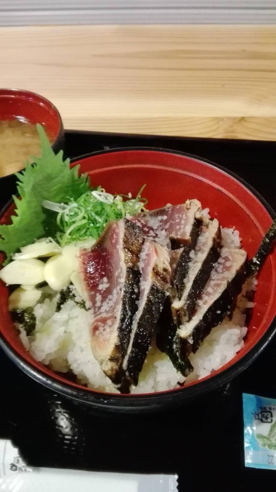 藁焼き鰹たたき 明神丸 ひろめ市場店(高知市)