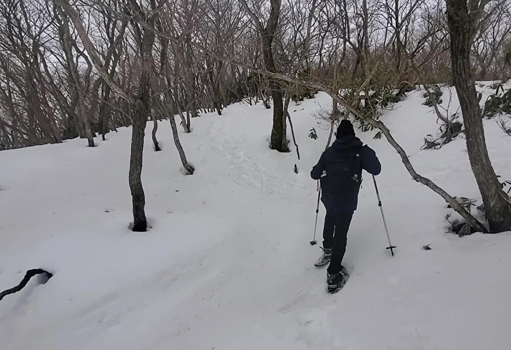 【本店】御在所でスノーハイキング(三重県三重郡菰野町)